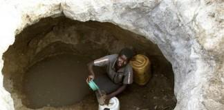 Confiscarea pământurilor și corelația dintre precipitații și Produsul Intern Brut în Zimbabwe