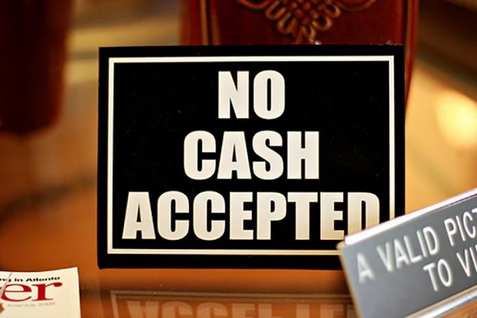 Războiul internaţional împotriva banilor cash
