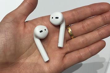 Căștile wireless Apple