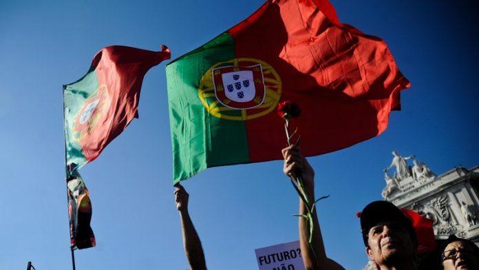 Portugalia intră în recesiune