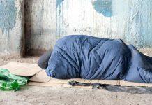 Ambasadorul Marii Britanii a dormit pe stradă