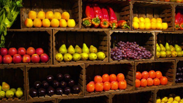 Fermierii acuză: Marii retaileri au rebotezat taxele de raft