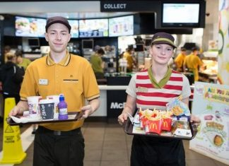 mcdonalds-table-service