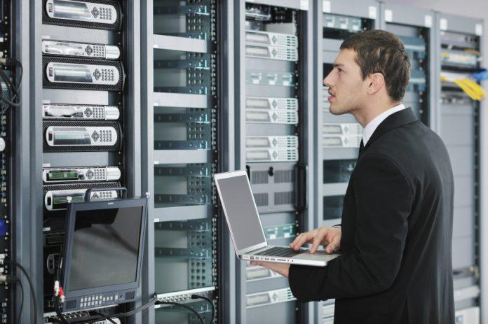 Jumătate dintre IT-iști lucrează în Capitală
