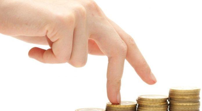 Statul va creşte salariul minim la jumătatea lui 2017