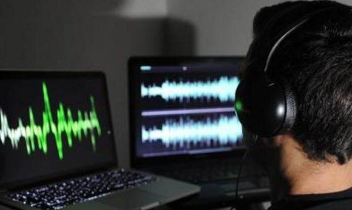 Parlamentul britanic a adoptat o lege extremă privind supravegherea telefoanelor şi PC-urilo