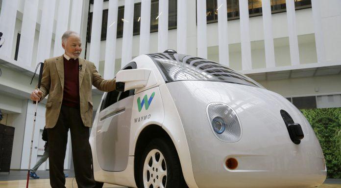 Google creează o companie de mașini care se conduc singure! Noua afacere se numește Waymo
