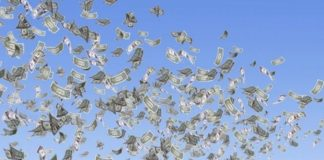 Bani aruncati pe fereastra - majorarea salariilor în administraţia publică locală cu 20%
