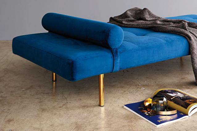 napper-day-bed-542-velvet-blue-baton-legs-1