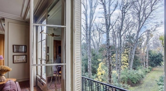 Rare and elegant apartment with impressive views on Rodin Museum gardens in the 7th arrondissement of Paris