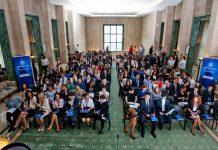 Tinerii interesaţi de o carieră în administraţia publică centrală se pot înscrie la Programul Oficial de Internship al Guvernului