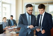 Cum să vinzi ca un expert, nu ca un simplu agent de vânzări