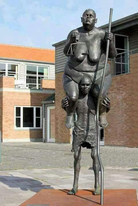 Monumentul coruptiei