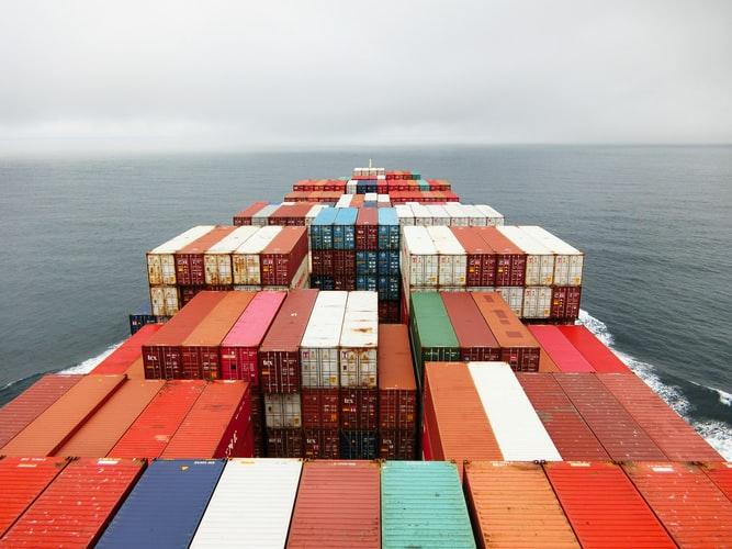 Deficitul balanţei comerciale Exporturile